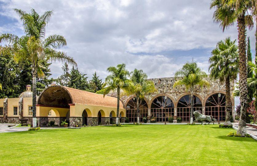 Amplios jardines de Hacienda Real Puebla