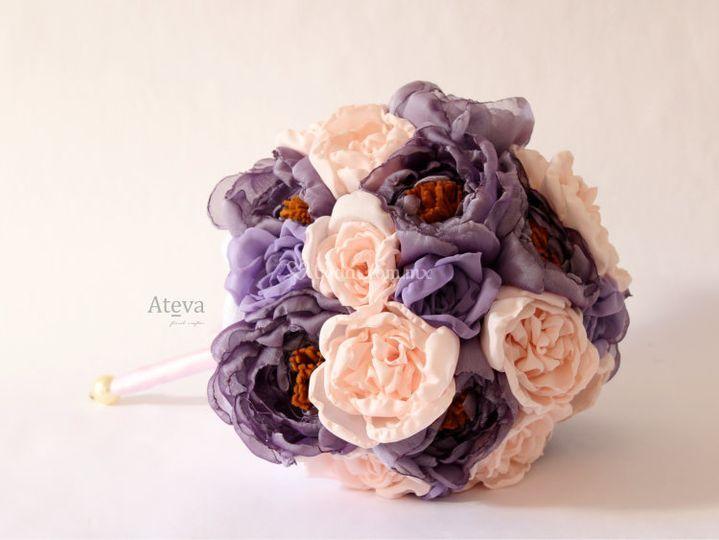 Ramo de rosa con lila