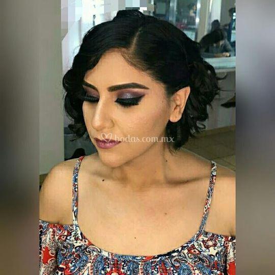 Maquillaje con pestañas mink