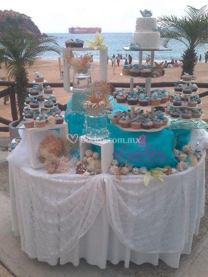 Cupcakes con minipastel