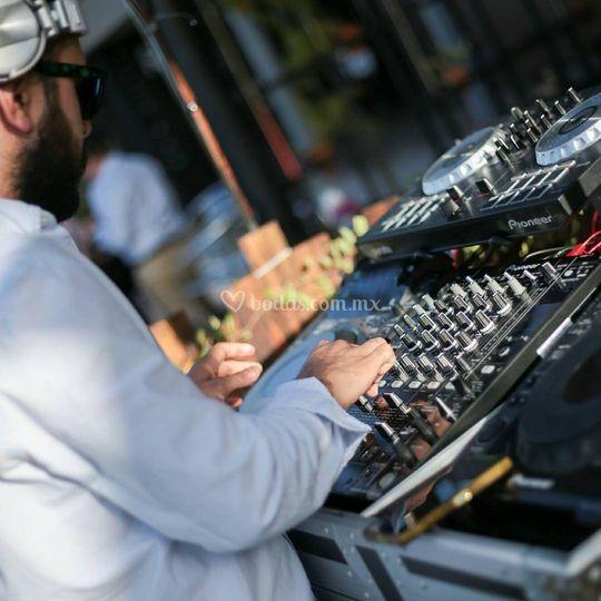 DJ Beat Vela