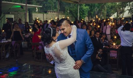 Daniela Fierro Wedding & Event Planner 1