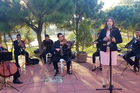 Cantante Soprano Margarita Rosas