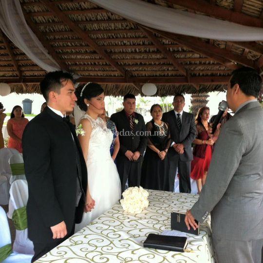 Matrimonio Civil Biblia : Boda cristiana de hotel real del mar foto