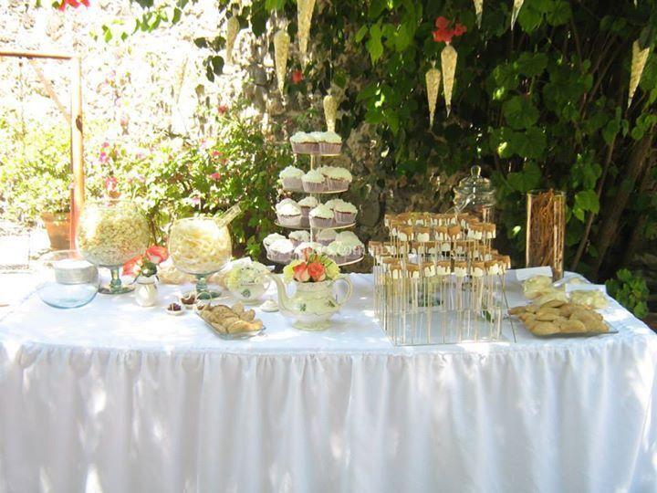 Mesa llena de delicias