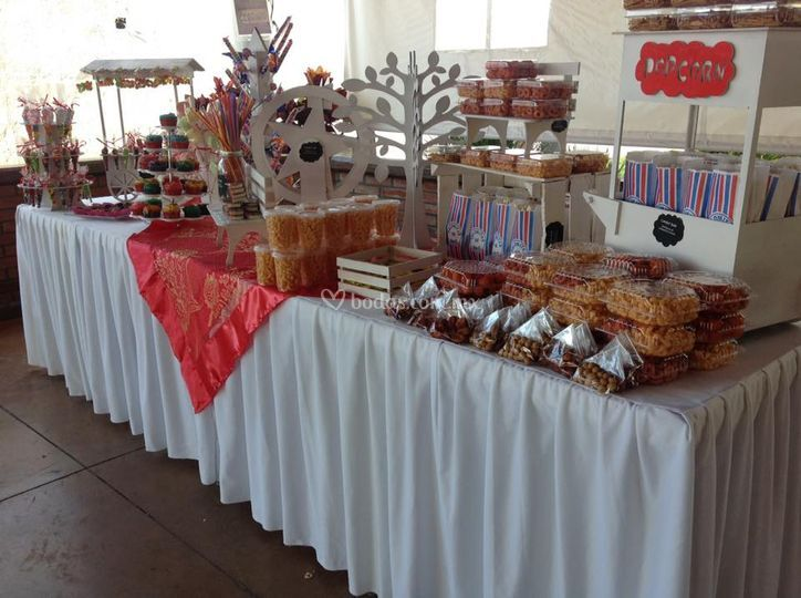 Mesa de dulces para su boda de banquetes edson fotos for Fotos de mesas de bodas