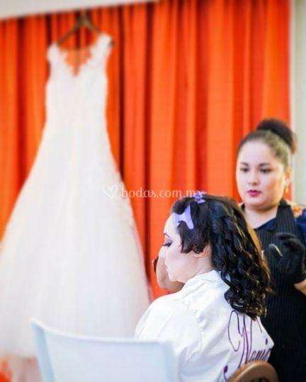 Arreglando a la novia