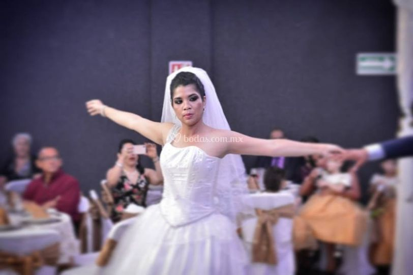 Su primer baile como novia