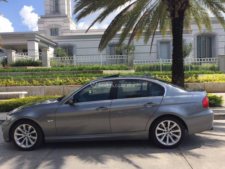 BMW lujo lado