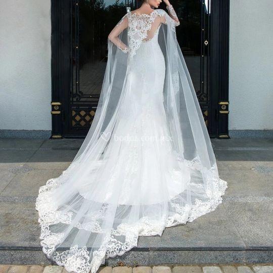 Capa de novia con mangas