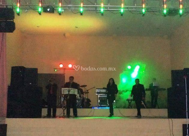 En el escenario