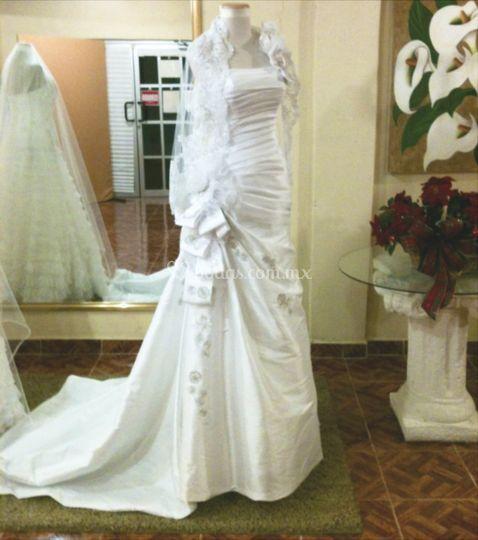 Vestidos y velos de novia