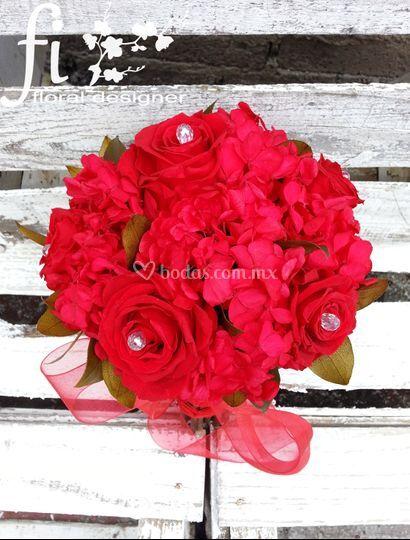 Rosas y hortensia