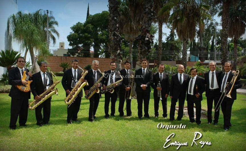 Orquesta Enrique Reyes