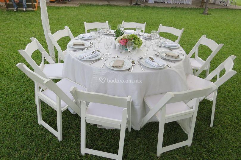 Mesa redonda para 10 personas