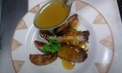 Lomo de cerdo con salsa de mango