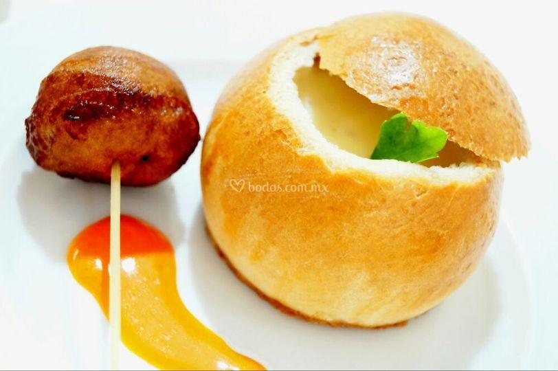 Crema de queso gouda y buñuelo