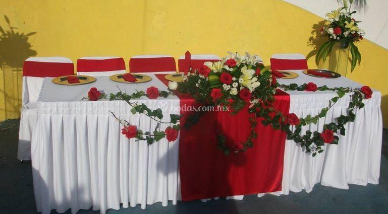 Elegante mesa de novios