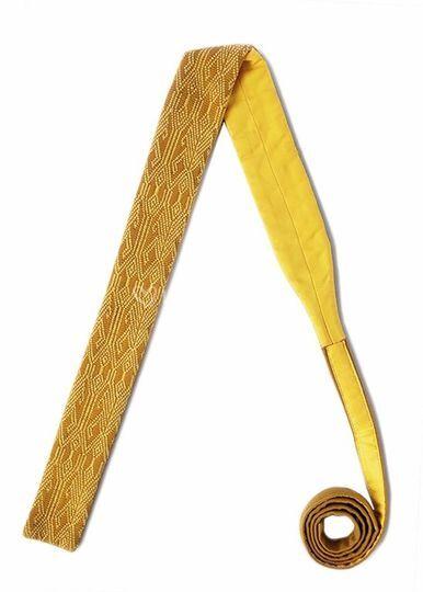 Corbata amarilla