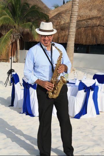 Cena intima con musica de sax