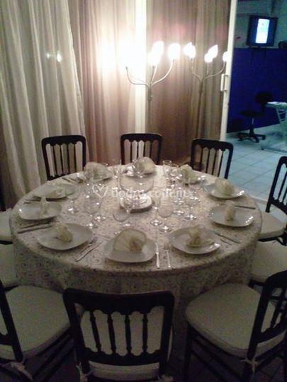 Una mesa elegante