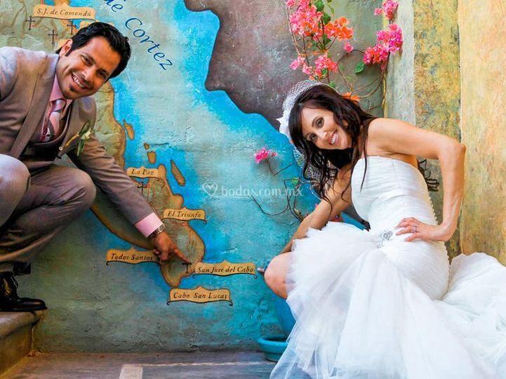Novia y novio en mapa de Cabo
