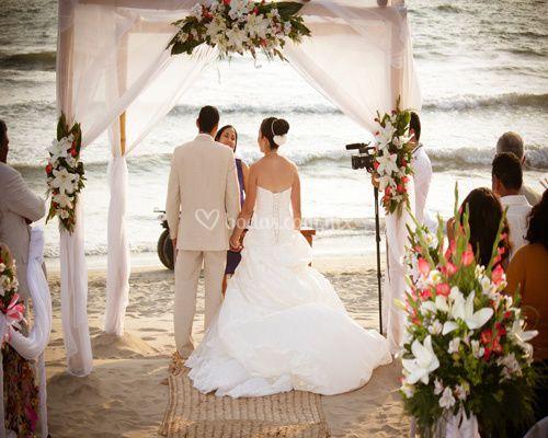 Ceremonia romántica en playa