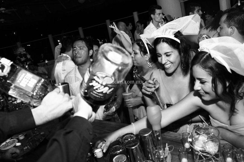 Fiesta y tragos a celebrar