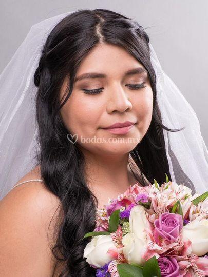 Andrea García Makeup