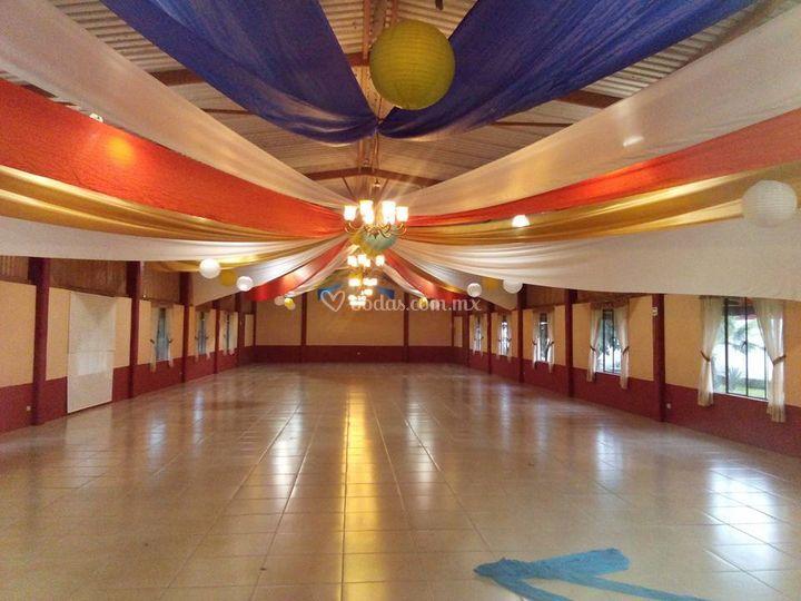 Decoraci n y espacio sal n de sal n colonial foto 8 - Decoracion salon colonial ...