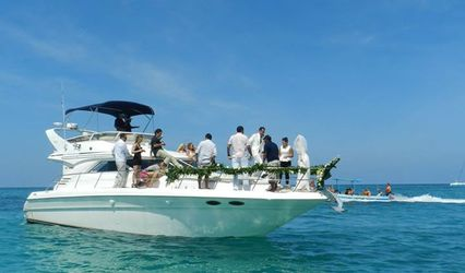 Luxury Yacht Charter Cancún 1
