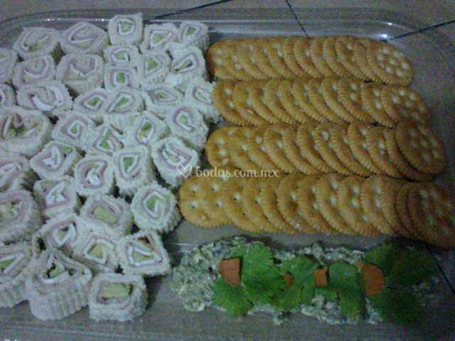 Sushi roll co dip