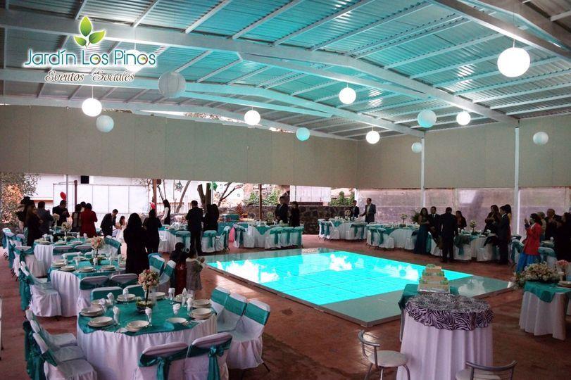 Lounge y antro de jard n los pinos fotos for Acropolis salon de fiestas