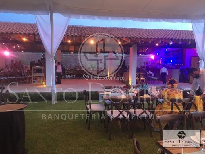 Santo domingo banquetes for Iluminacion ambiental