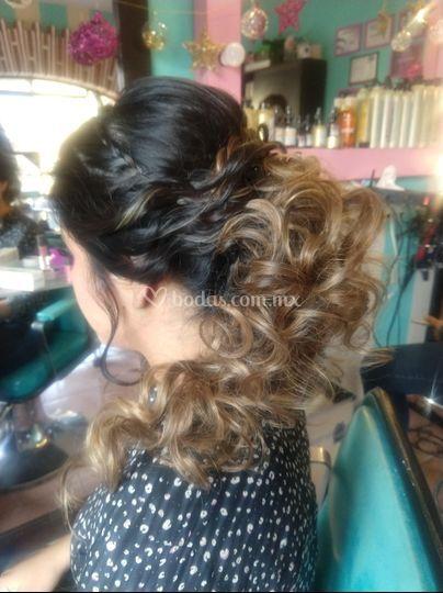 Peinado con diseño de color