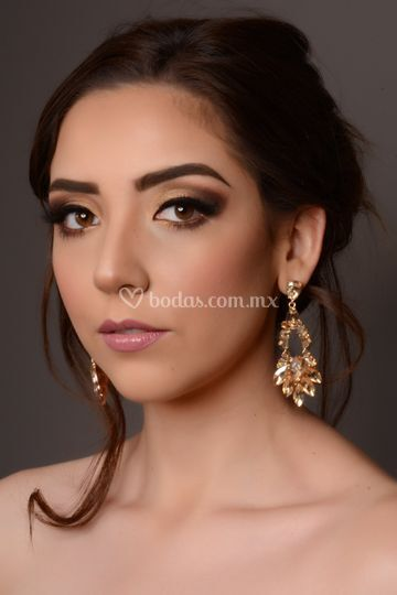Elizabeth Hernández Makeup