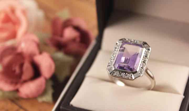 Anillo Amatista y diamantes