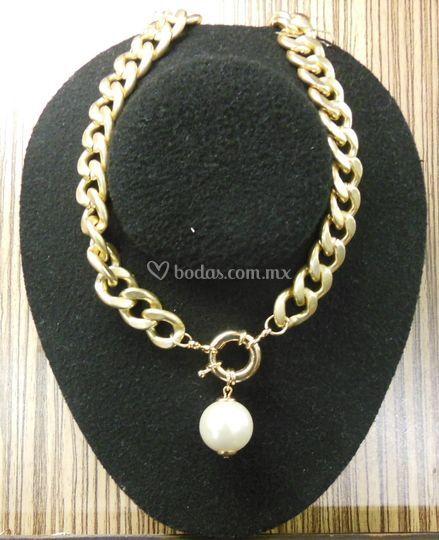 Collar de chapa de oro yperlas