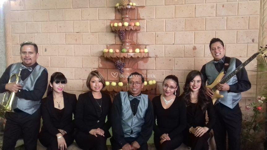 Grupo Musical Sin Fronteras