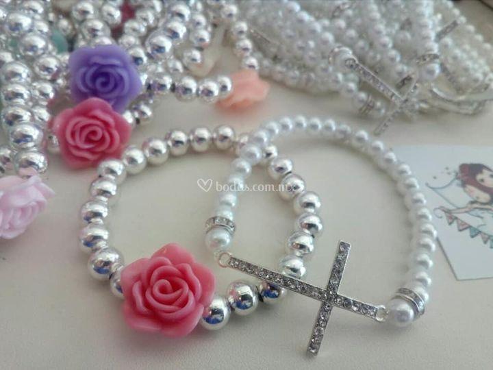 Pulsera cruz cristal /o flor