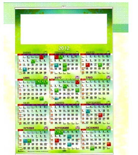 Calendario con fotos de los novios