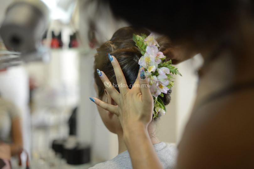 Peinado flores reales