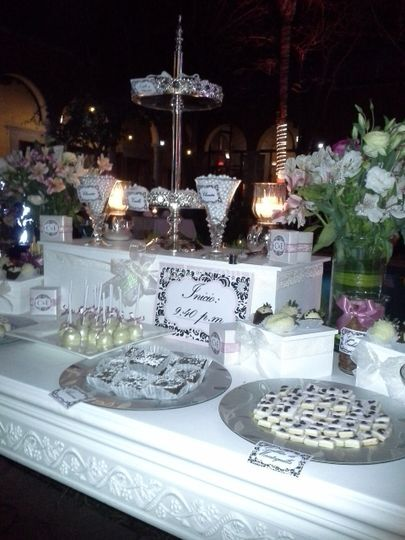 Linda mesa de dulces
