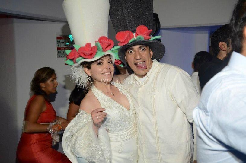 Sombreros de novios