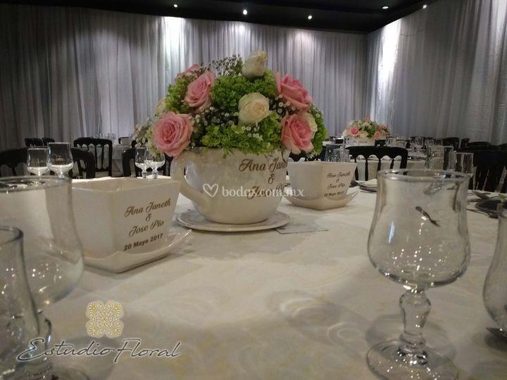 Centro de mesa taza