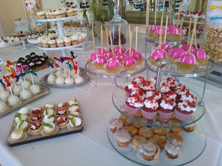 Mesas de postres para eventos de g sweets mesas de for Mesas dulces para eventos