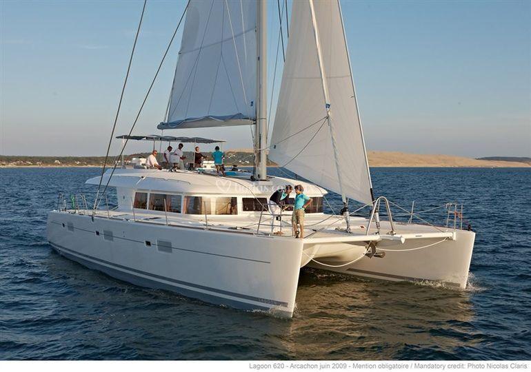 Catamarán elegante