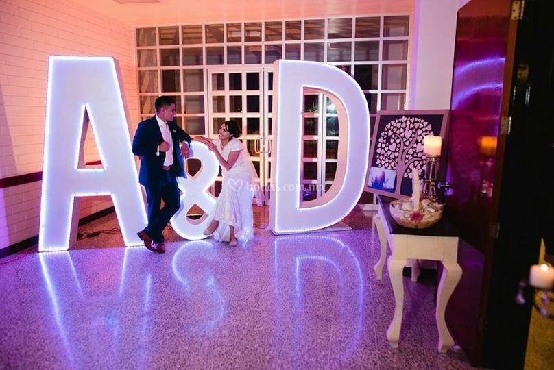 A&D iluminadas LED
