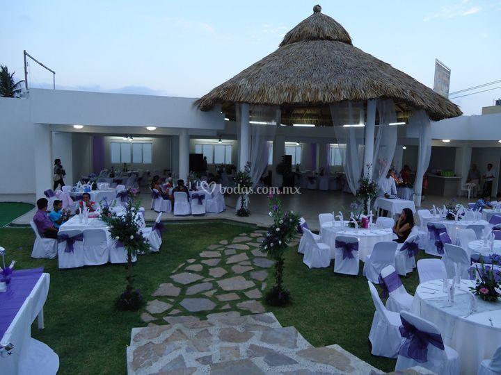 Jard n el patio for Decoracion de jardin para xv