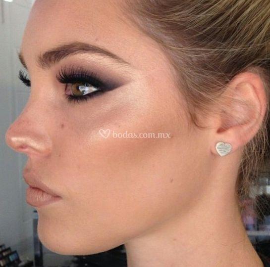 Maquillaje sutil y elegante